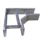 Phụ kiện thang cáp được làm bằng tôn đen, tôn tráng kẽm dạng tấm hoặc cuộn. Phụ kiện thang cáp – Cable ladder làm bằng sơn tĩnh điện, mạ kẽm điện phân, mạ kẽm nhúng nóng.